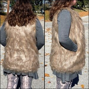 Boutique Jackets & Coats - A5️⃣🌟! Size XS only!! Tan Fur Vest! NEW!